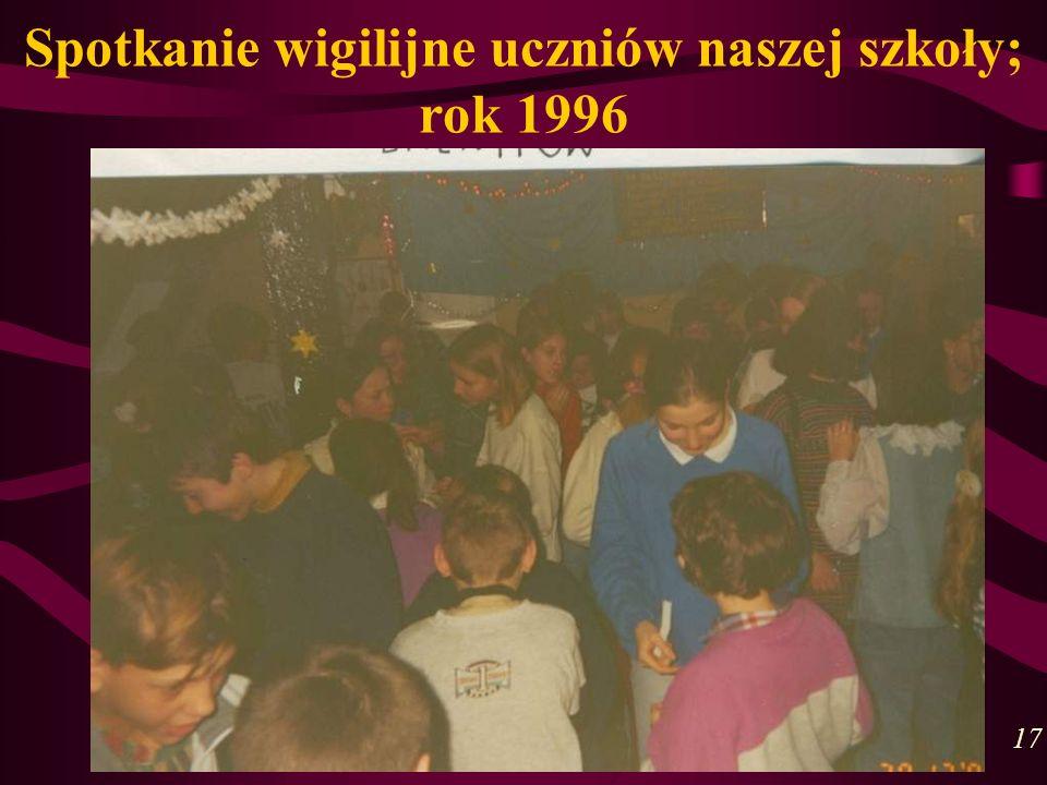 Spotkanie wigilijne uczniów naszej szkoły; rok 1996 17