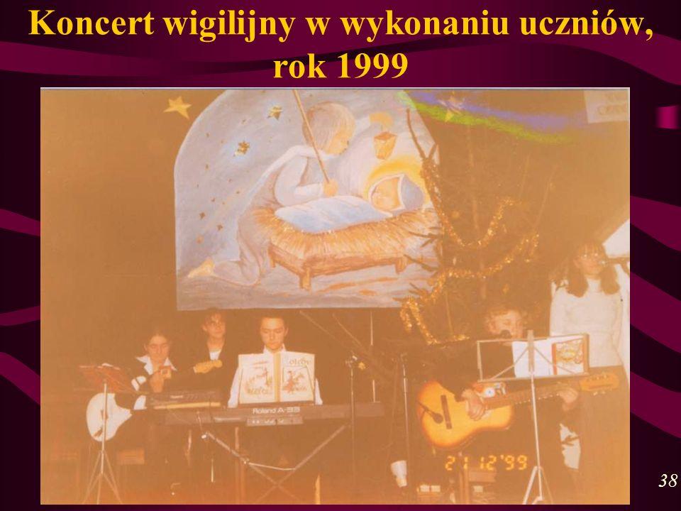 Koncert wigilijny w wykonaniu uczniów, rok 1999 38
