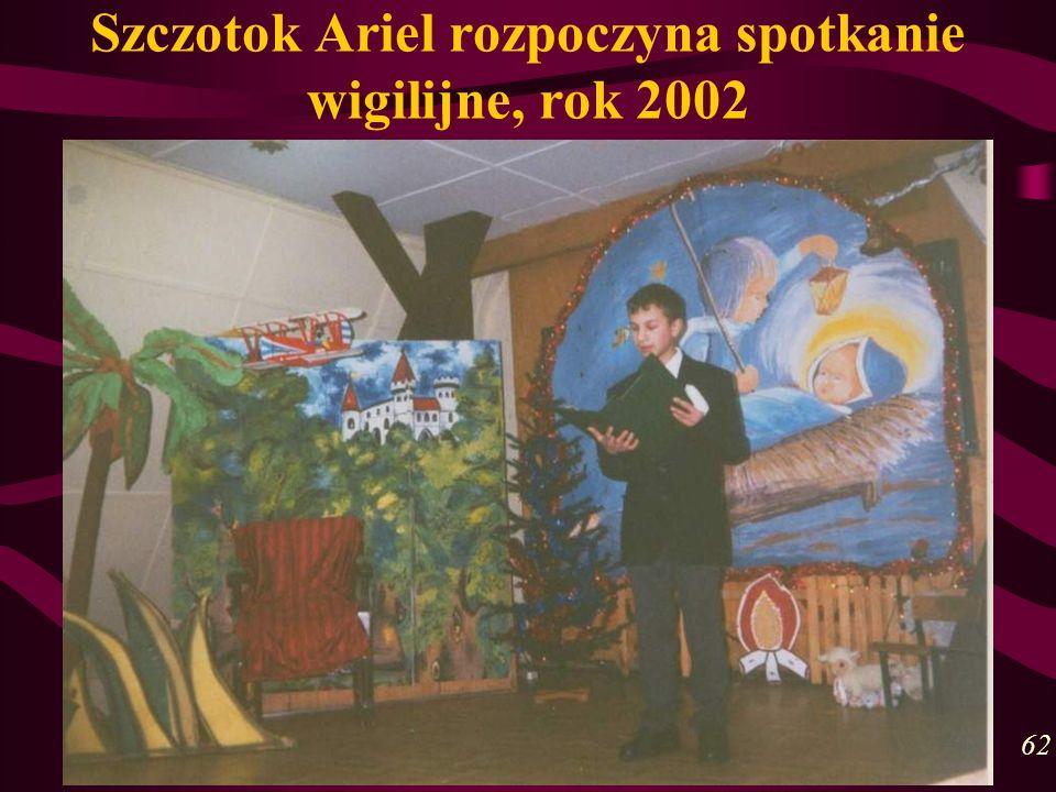 Szczotok Ariel rozpoczyna spotkanie wigilijne, rok 2002 62