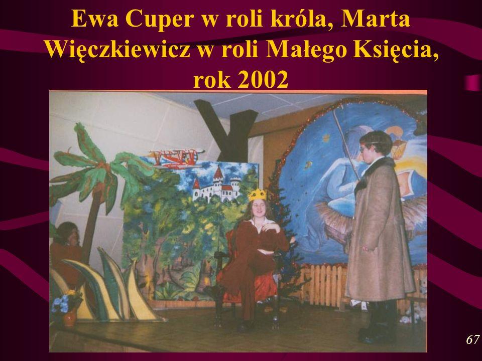 Ewa Cuper w roli króla, Marta Więczkiewicz w roli Małego Księcia, rok 2002 67