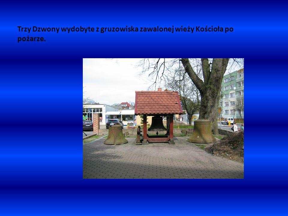 Ratusz w Nowogardzie – obecna budowla zbudowana została w 1911 roku według projektu mistrza budowlanego Berga.