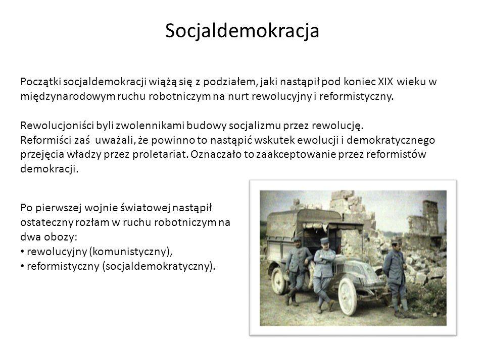 Początki socjaldemokracji wiążą się z podziałem, jaki nastąpił pod koniec XIX wieku w międzynarodowym ruchu robotniczym na nurt rewolucyjny i reformis