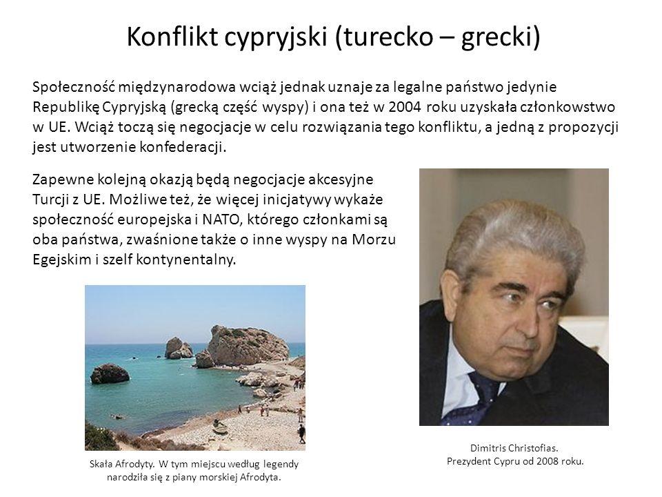 Konflikt cypryjski (turecko – grecki) Społeczność międzynarodowa wciąż jednak uznaje za legalne państwo jedynie Republikę Cypryjską (grecką część wyspy) i ona też w 2004 roku uzyskała członkowstwo w UE.