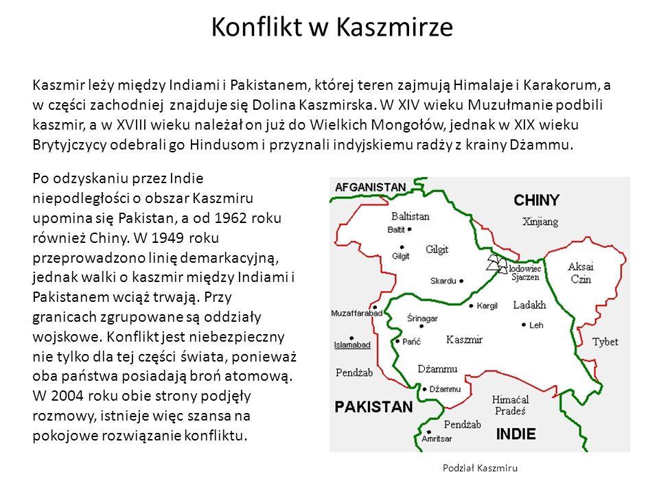 Kaszmir leży między Indiami i Pakistanem, której teren zajmują Himalaje i Karakorum, a w części zachodniej znajduje się Dolina Kaszmirska.