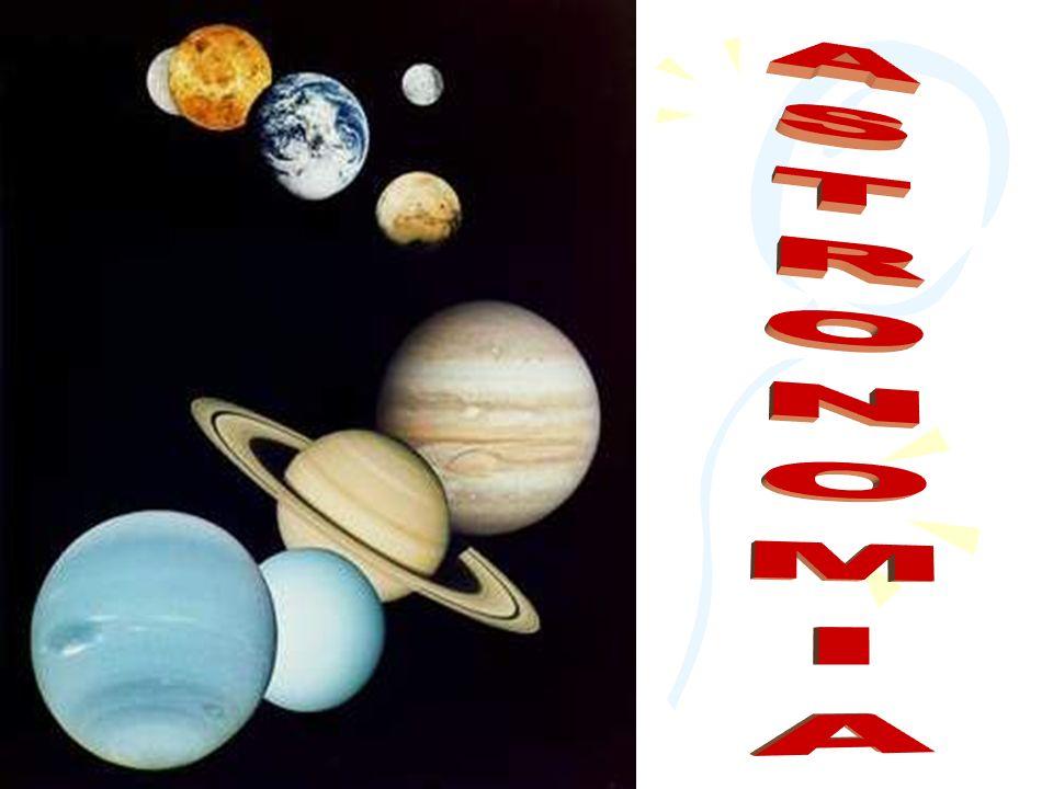 NEPTUN To blado niebieski dysk z szerokimi pasami chmur i Wielką Ciemną Plamą podobną do Wielkiej Czerwonej Plamy Jowisza.