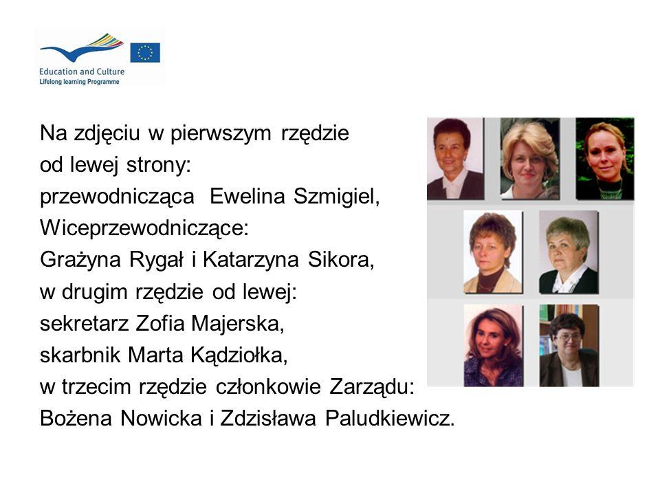 Na zdjęciu w pierwszym rzędzie od lewej strony: przewodnicząca Ewelina Szmigiel, Wiceprzewodniczące: Grażyna Rygał i Katarzyna Sikora, w drugim rzędzi