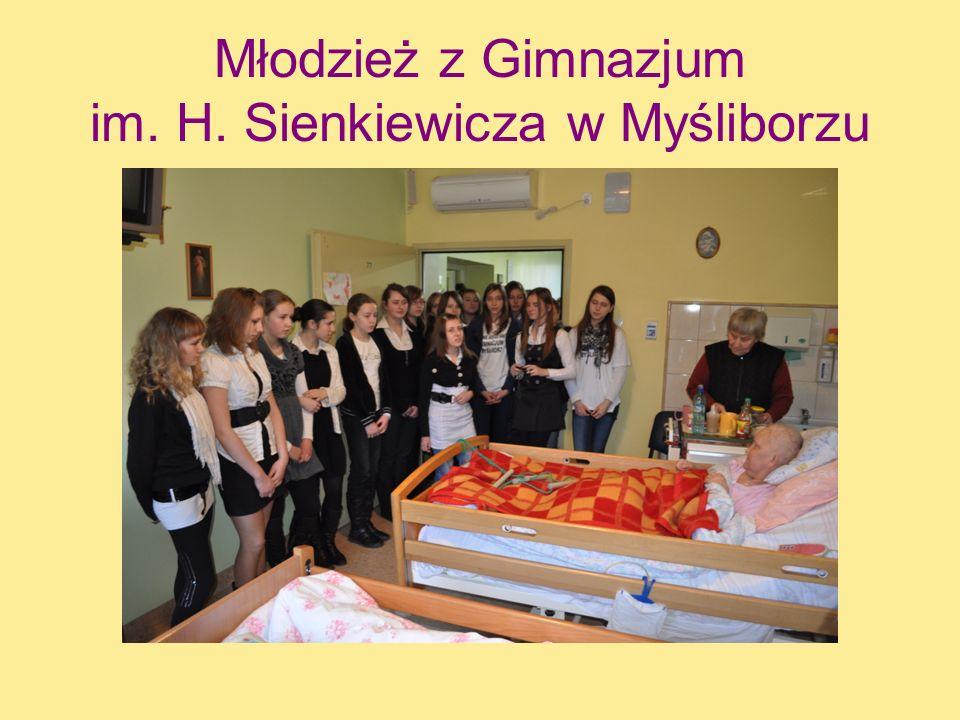 Młodzież z Gimnazjum im. H. Sienkiewicza w Myśliborzu