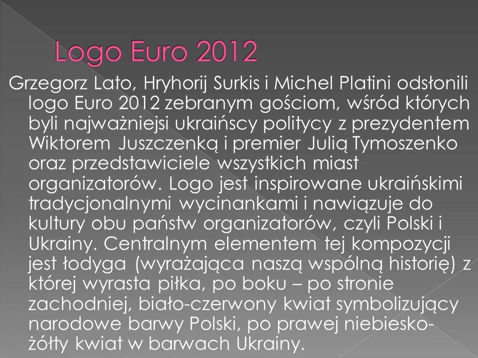 Grzegorz Lato, Hryhorij Surkis i Michel Platini odsłonili logo Euro 2012 zebranym gościom, wśród których byli najważniejsi ukraińscy politycy z prezyd
