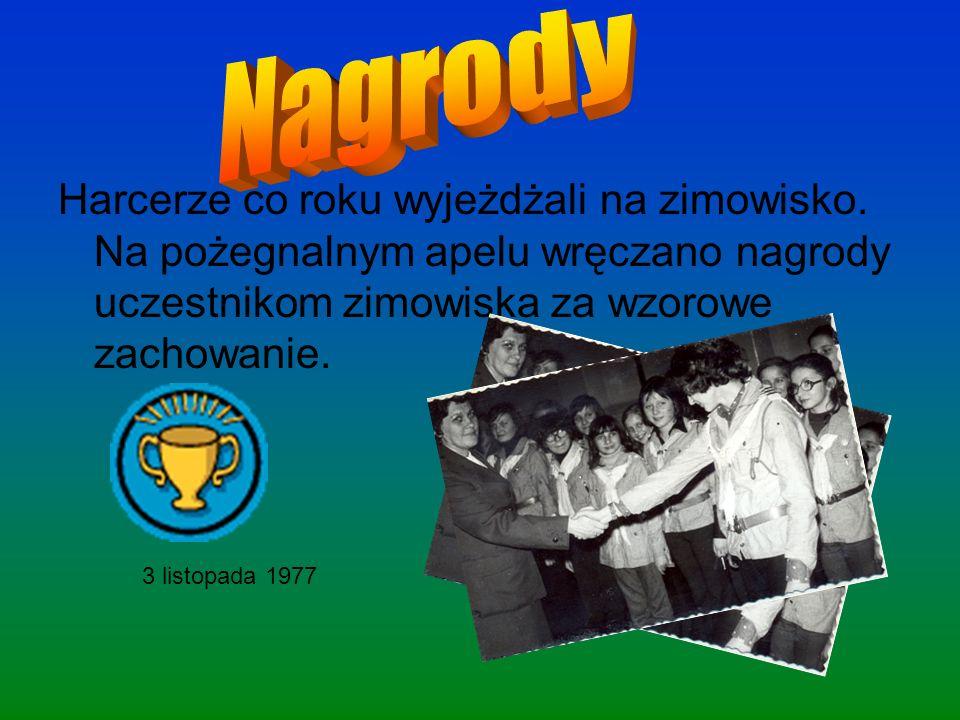 Uczniowie klasy VIII postanowili zrobić boisko do piłki nożnej, w ramach konkursu ślad.