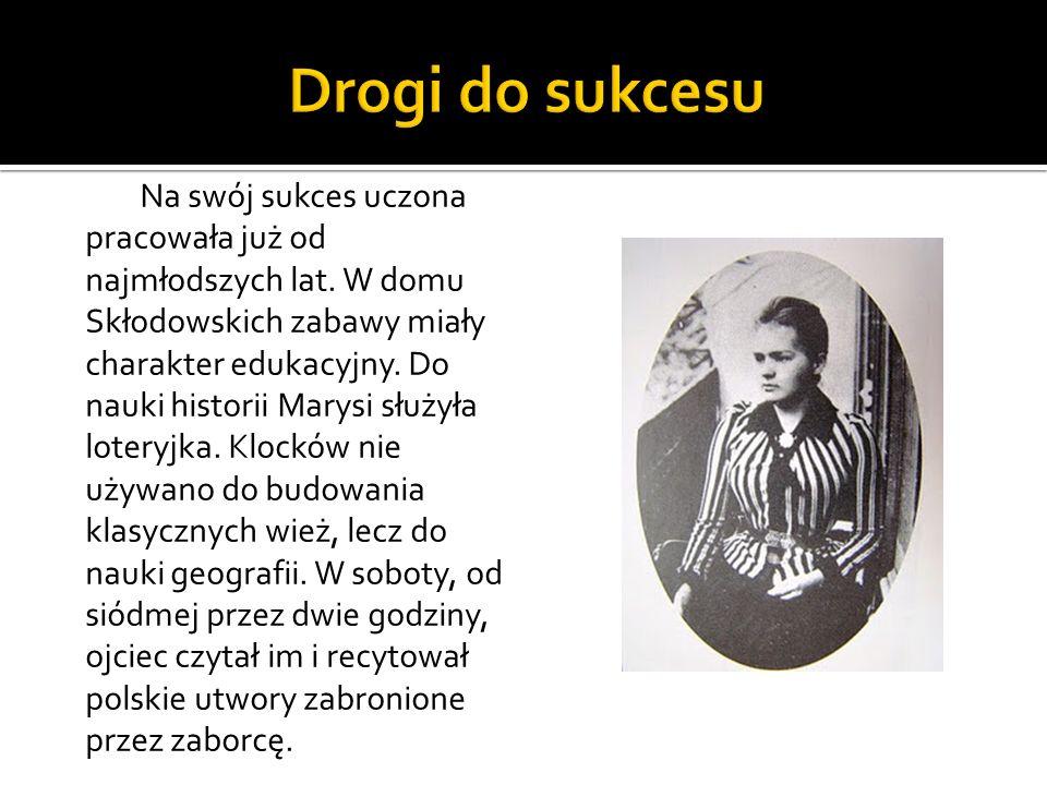 Po rocznej nauce na prywatnej pensji, rozpoczęła naukę w III Gimnazjum Żeńskim w Warszawie, które ukończyła w 1883 roku ze złotym medalem.