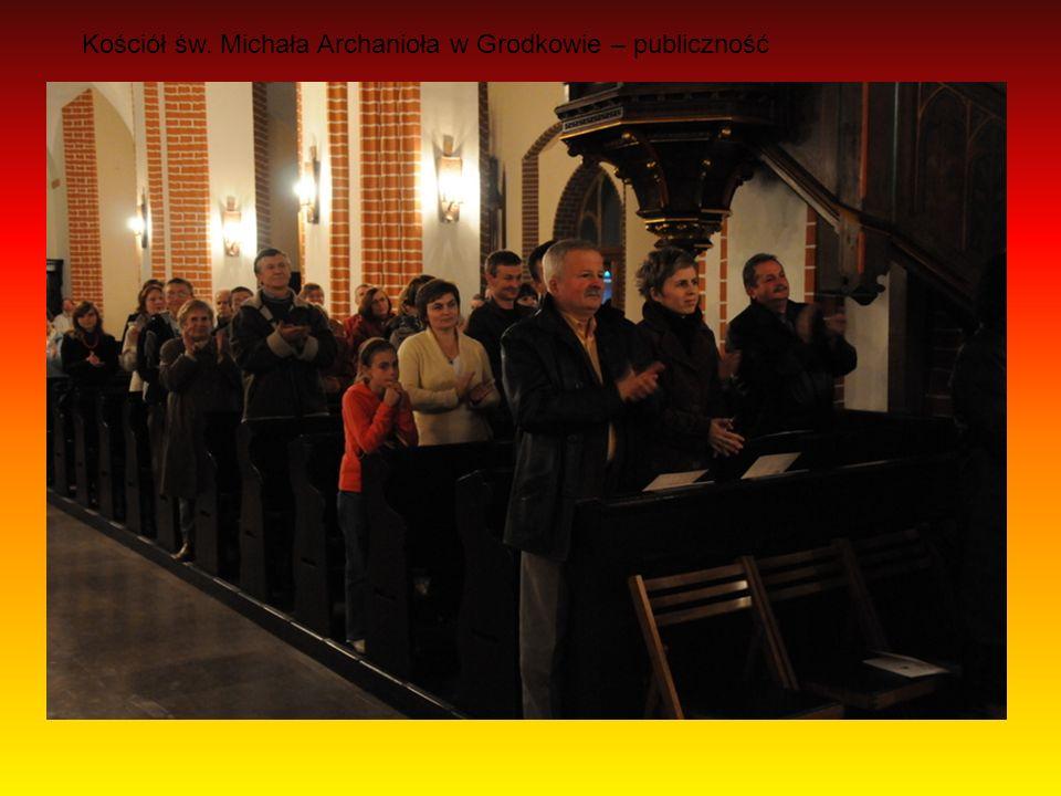 Kościół św. Michała Archanioła w Grodkowie – publiczność
