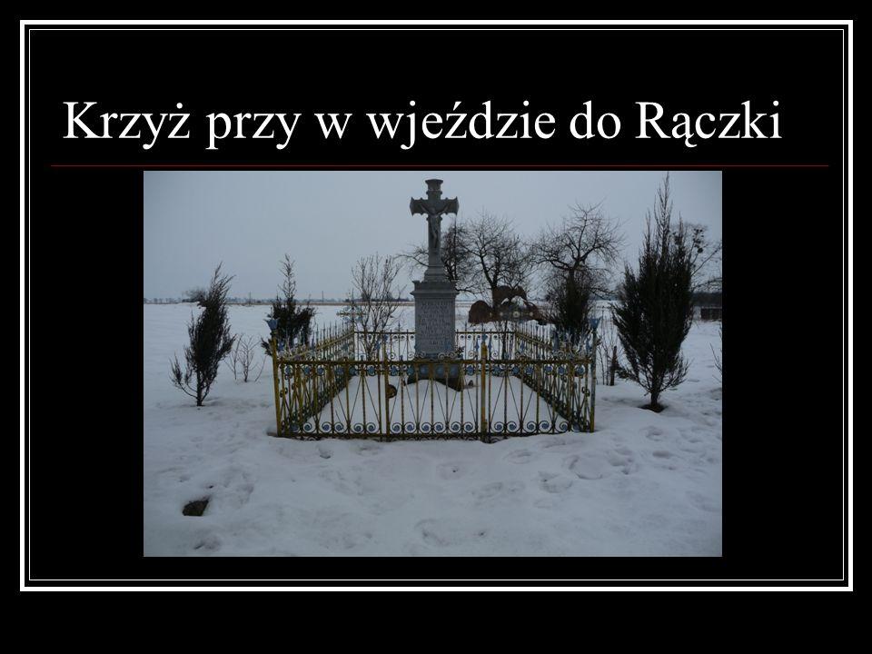 Krzyż przy w wjeździe do Rączki