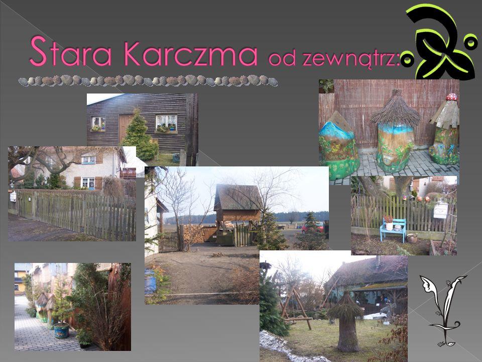 Stara Karczma powstała w 1995 i została adaptowana z budynku stodoły.