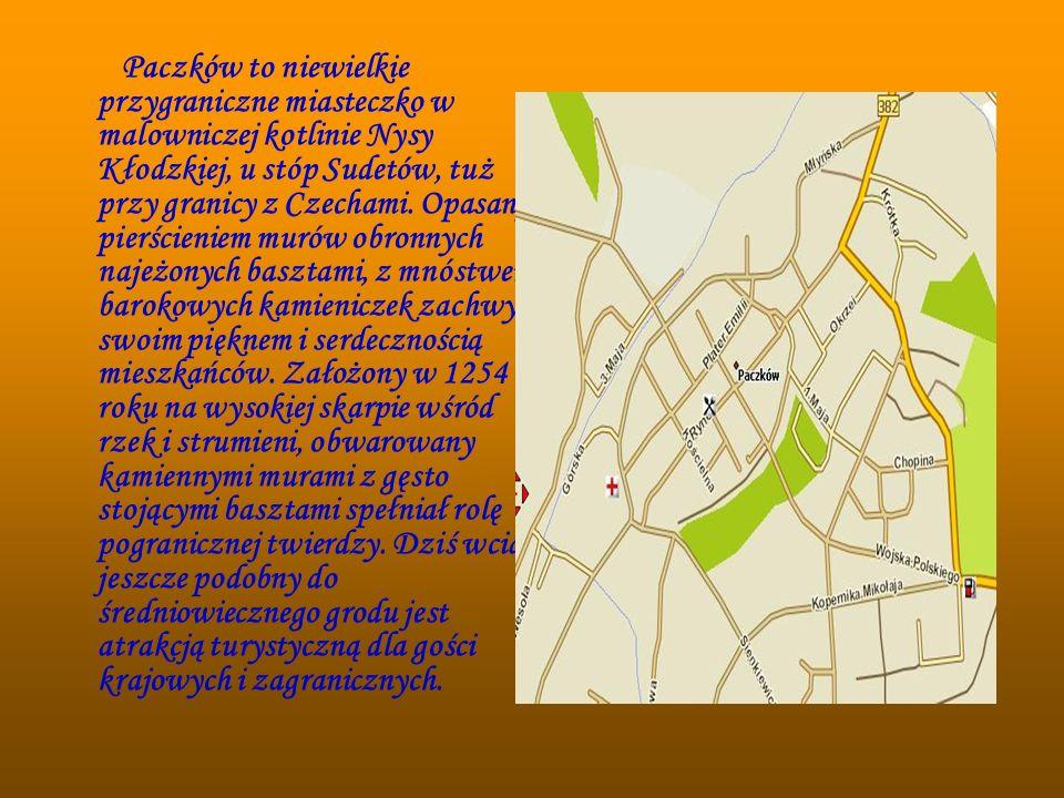 Paczków to niewielkie przygraniczne miasteczko w malowniczej kotlinie Nysy Kłodzkiej, u stóp Sudetów, tuż przy granicy z Czechami. Opasany pierścienie