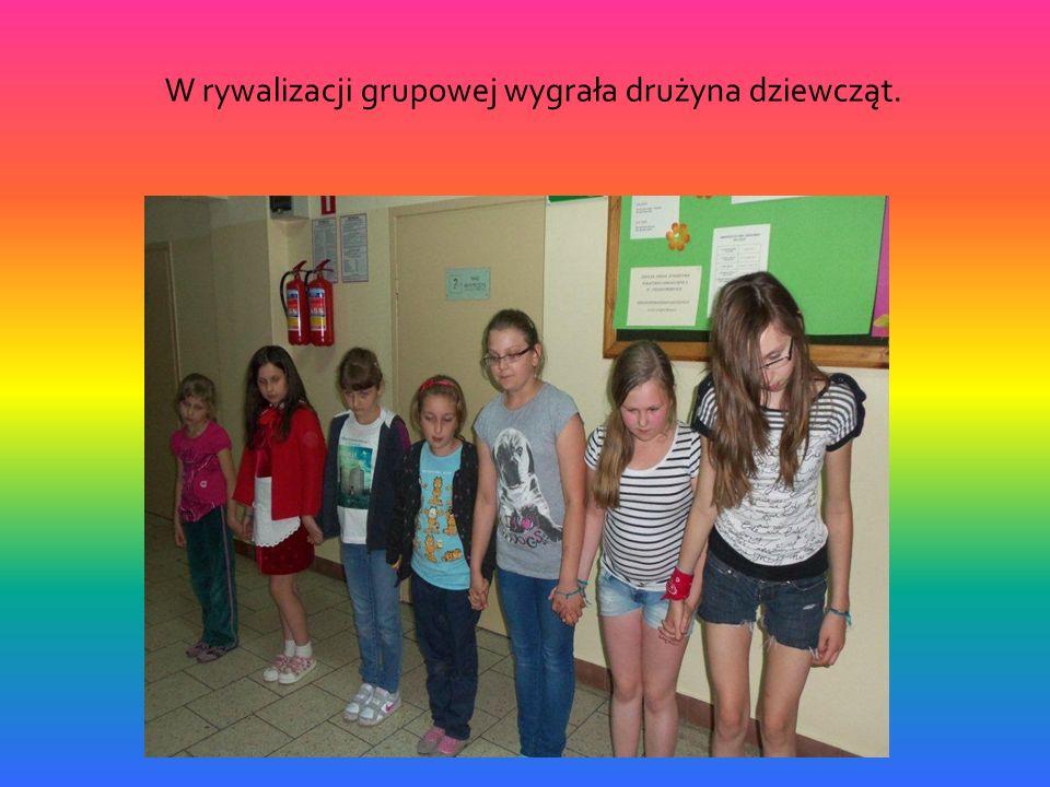 W rywalizacji grupowej wygrała drużyna dziewcząt.
