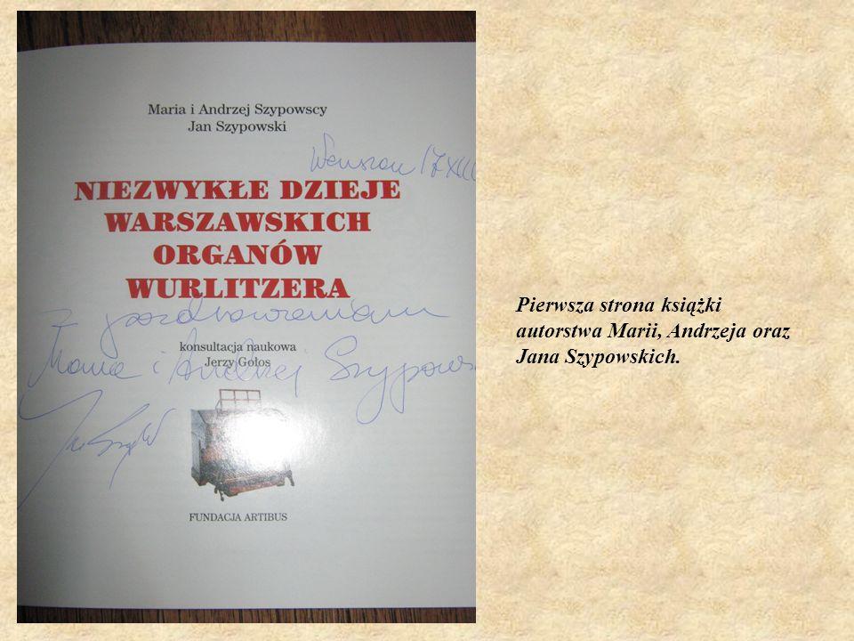 Na światowej liście niezbyt licznych ocalałych autentycznych przedstawicieli organowego gatunku mighty Wurlitzer potężny, wspaniały Wurlitzer- znajduje się egzemplarz warszawski, jedyny w Polsce, unikatowy w Europie Wschodniej i Środkowej, w 1928 roku wykonany w fabryce Wurlitzera w USA dla znajdującego się w Warszawie przy ulicy Nowy Świat kinoteatru Colosseum.