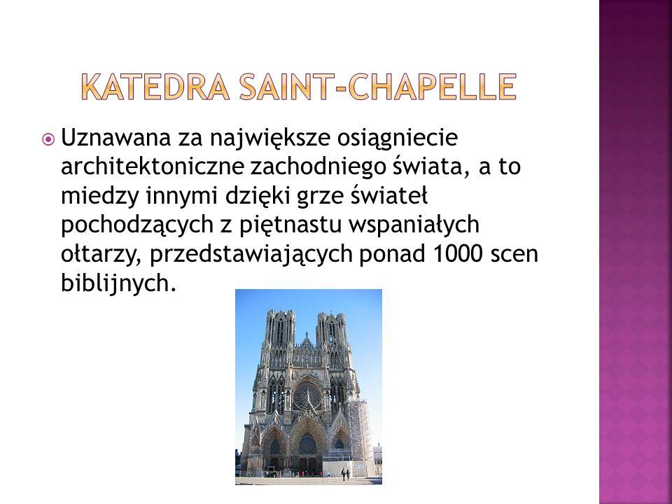 Wzniesiona na miejscu rzymskiej świątyni w XXII wieku.