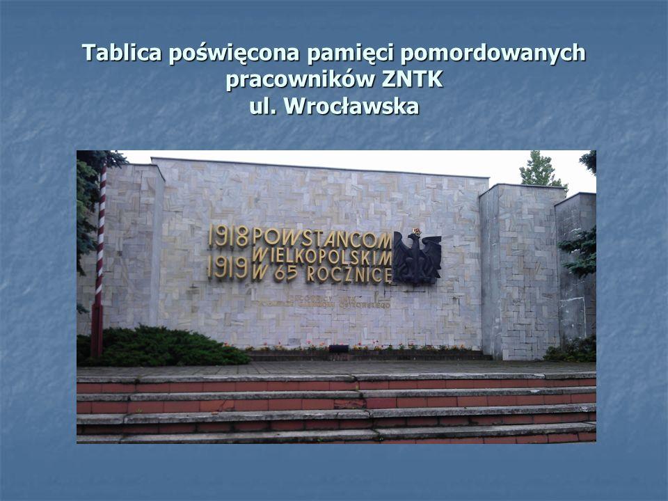 Tablica poświęcona pamięci pomordowanych pracowników ZNTK ul. Wrocławska