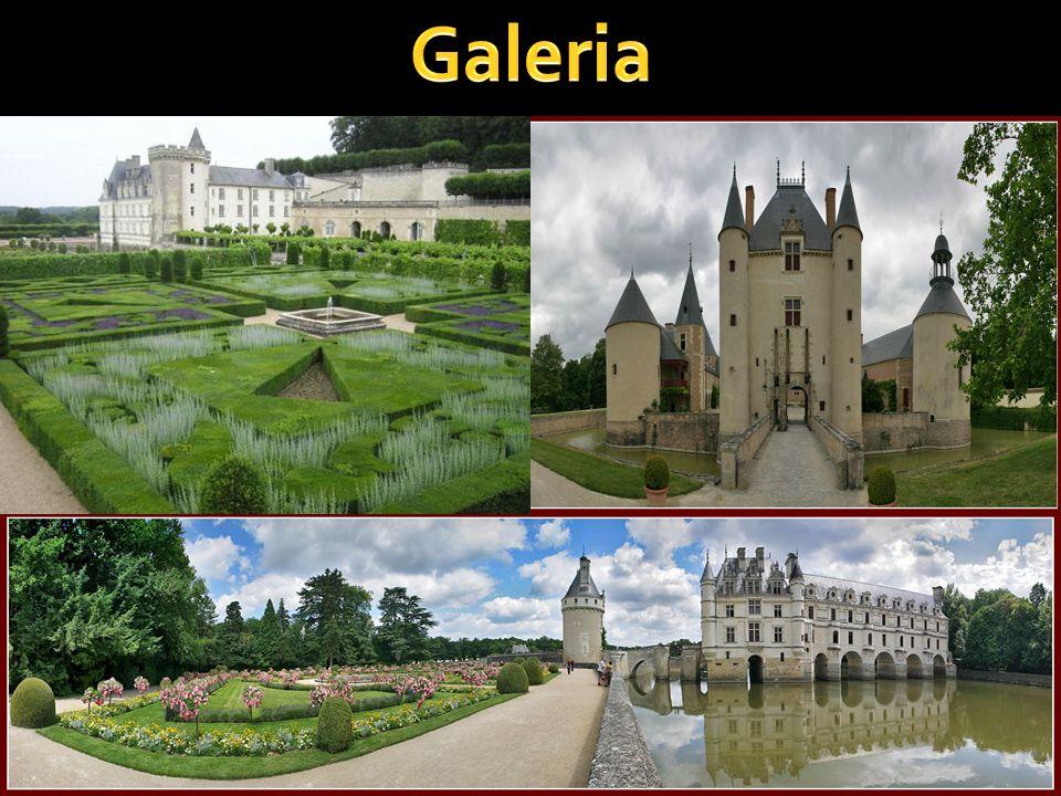 Zamek wzniesiony jest na planie czworoboku, z czterema okrągłymi wieżami, całość utrzymana jest w stylu renesansowym, wyłączając klasycystyczne modyfi