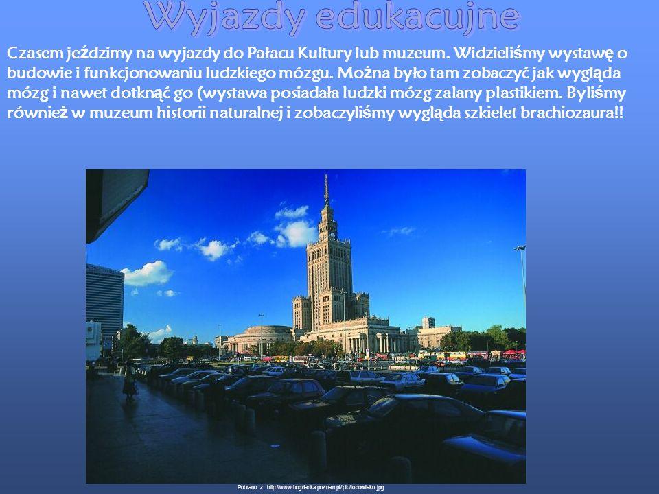 Nasze wyjazdy zawsze prowadz ą nas w ciekawe miejsca zarówno pod wzgl ę dem historycznym jak i krajoznawczym. W roku 2006 była wycieczka do Krakowa. Z