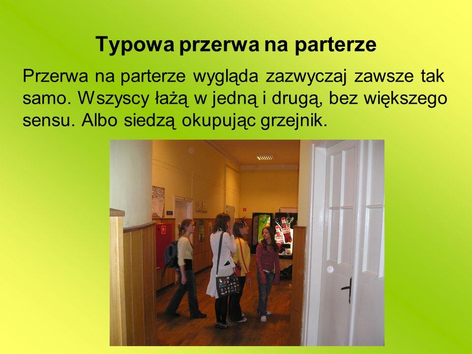 Ulubione miejsce spotkań części dziewczyn – łazienka ;> Łazienka na dole cieszy się wielką popularnością.