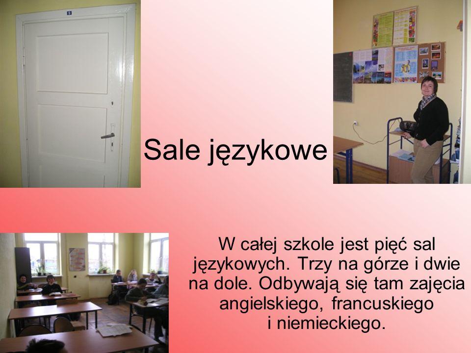 Sale językowe W całej szkole jest pięć sal językowych. Trzy na górze i dwie na dole. Odbywają się tam zajęcia angielskiego, francuskiego i niemieckieg