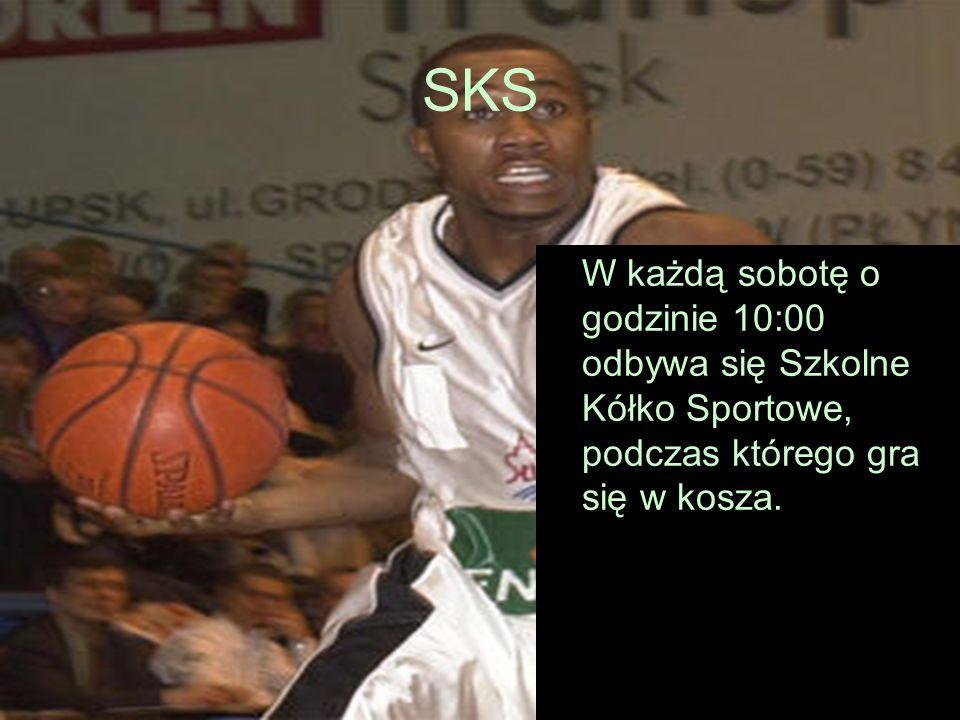 SKS W każdą sobotę o godzinie 10:00 odbywa się Szkolne Kółko Sportowe, podczas którego gra się w kosza.