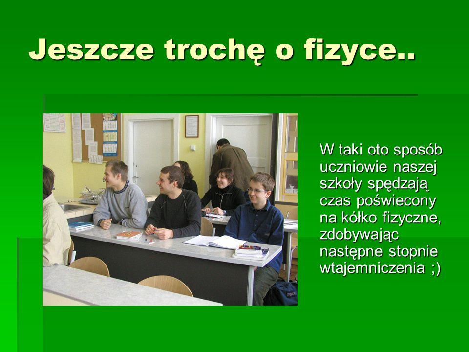 KÓŁKO CHEMICZNE Prowadzone jest przez p.Marcina Wróblewskiego, naszego nauczyciela od chemii.