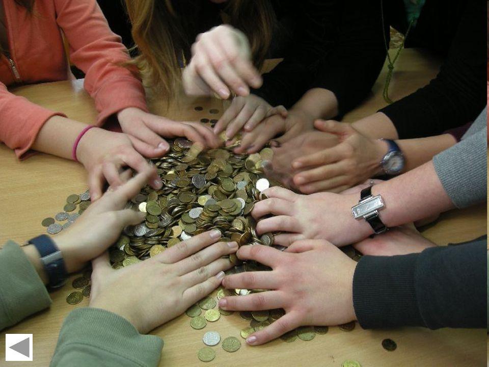 Z życia biblioteki szkolnej Gimnazjum Nr 1 w Konstantynowie ŁódzkimLuty 2011 Góra grosza Co roku organizowane są zbiórki pieniędzy, a dokładniej grosz