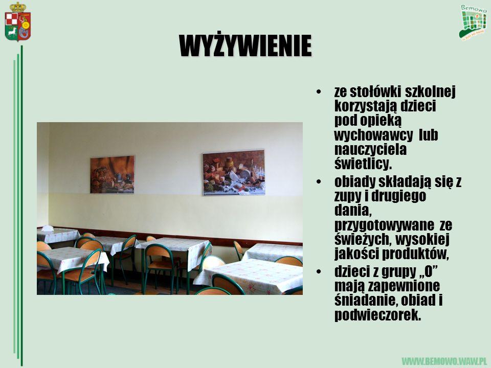 WYŻYWIENIE ze stołówki szkolnej korzystają dzieci pod opieką wychowawcy lub nauczyciela świetlicy. obiady składają się z zupy i drugiego dania, przygo