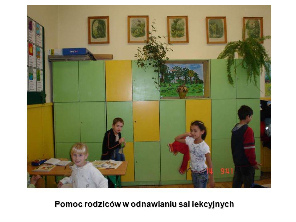 Pomoc rodziców w odnawianiu sal lekcyjnych