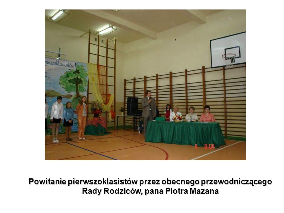 Powitanie pierwszoklasistów przez obecnego przewodniczącego Rady Rodziców, pana Piotra Mazana