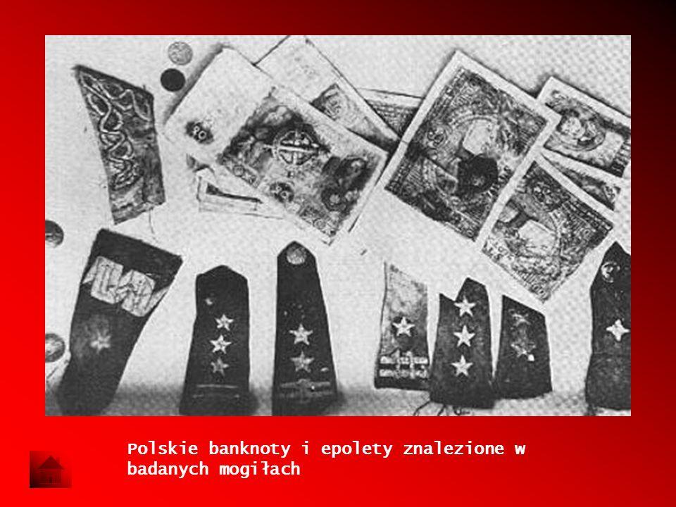 Polskie banknoty i epolety znalezione w badanych mogiłach