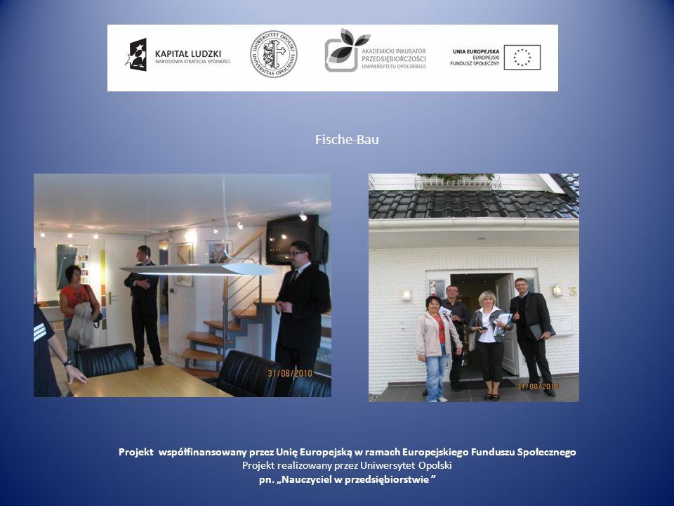 Program wizyty studyjnej 01.09.2010, środa Dzień czwarty rozpoczęliśmy od zwiedzani firmy Nibra producenta dachówek zarówno ceramicznych, jak i betonowych.