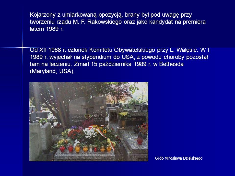 Kojarzony z umiarkowaną opozycją, brany był pod uwagę przy tworzeniu rządu M. F. Rakowskiego oraz jako kandydat na premiera latem 1989 r. Od XII 1988