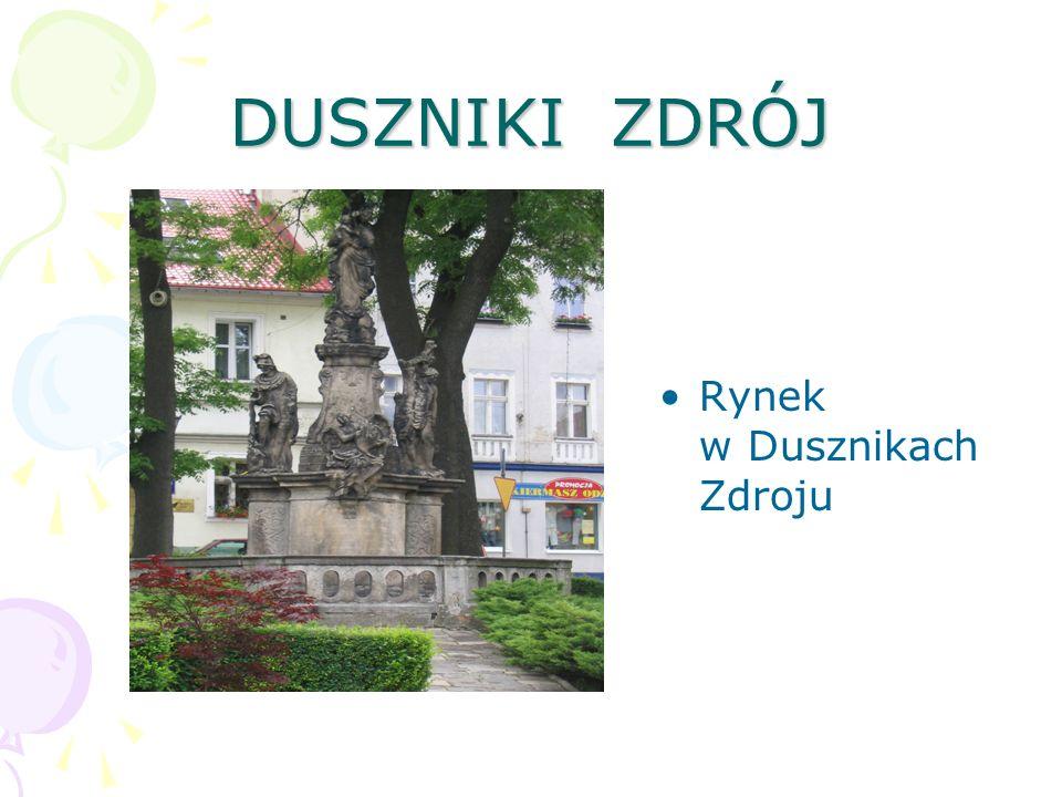 Polanica Zdrój Wejście na deptak uzdrowiskowy w Polanicy Zdroju Późna jesień 2003 roku