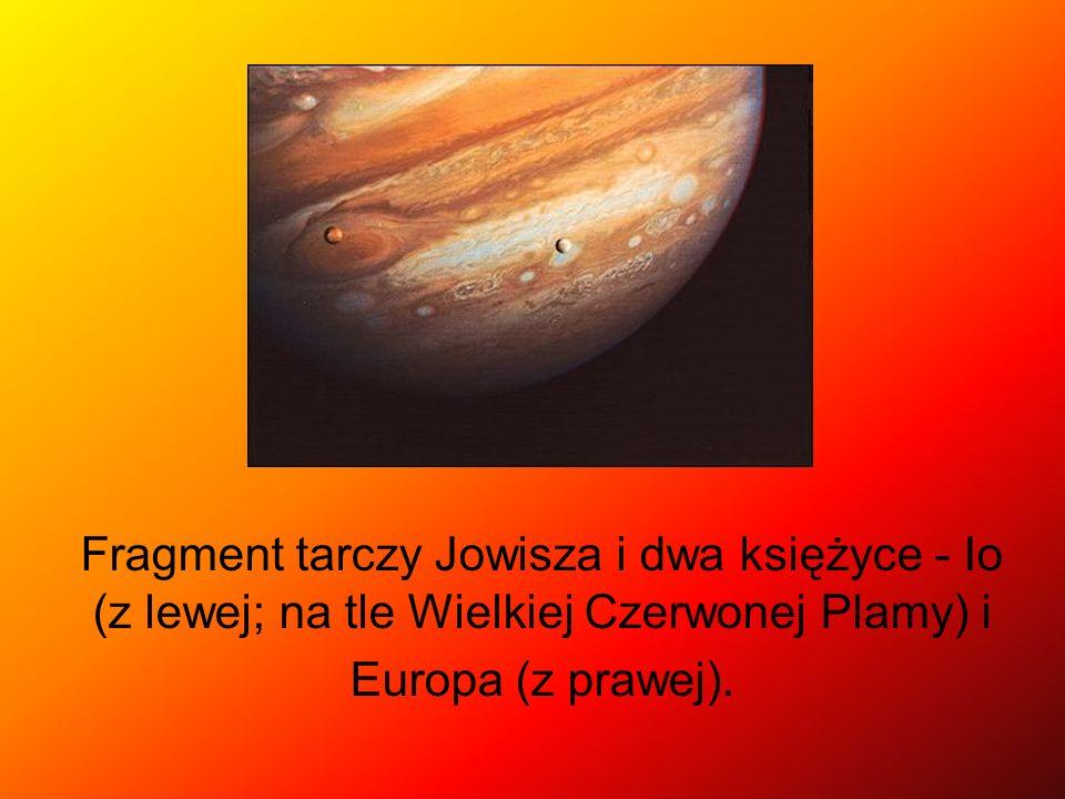 Fragment tarczy Jowisza i dwa księżyce - Io (z lewej; na tle Wielkiej Czerwonej Plamy) i Europa (z prawej).