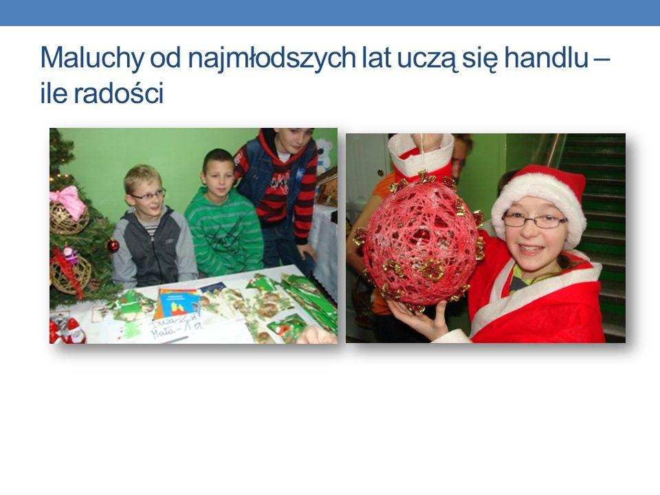Tak wyglądał handel świąteczny Julia –ozdoby świąteczneDominika - ciasto