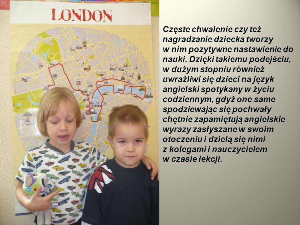 Dzieci w wieku przedszkolnym z oczywistych względów mogą kształtować jedynie dwie sprawności językowe tj.