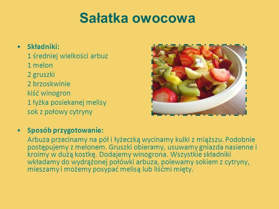 Sałatka owocowa Składniki: 1 średniej wielkości arbuz 1 melon 2 gruszki 2 brzoskwinie kiść winogron 1 łyżka posiekanej melisy sok z połowy cytryny Spo