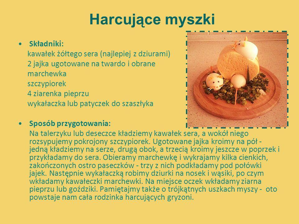 Harcujące myszki Składniki: kawałek żółtego sera (najlepiej z dziurami) 2 jajka ugotowane na twardo i obrane marchewka szczypiorek 4 ziarenka pieprzu