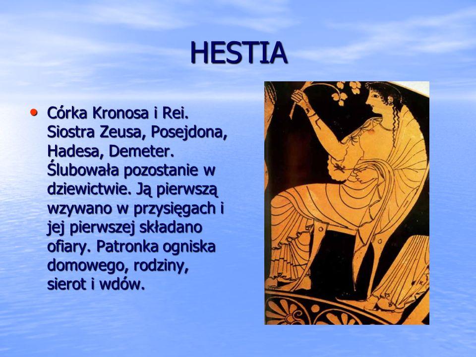 Hera Córka Kronosa i Rei. Siostra Posejdona, Hadesa, Hestii, Demeter. Żona i siostra Zeusa. Matka Hefajstosa, Hebe i Aresa. Władczyni Olimpu i nieba.
