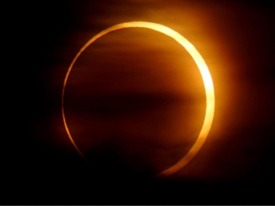 Miał odkryć drogę słońca między punktami przesileń i stosunek średnic słońca i księżyca do długości ich orbit.