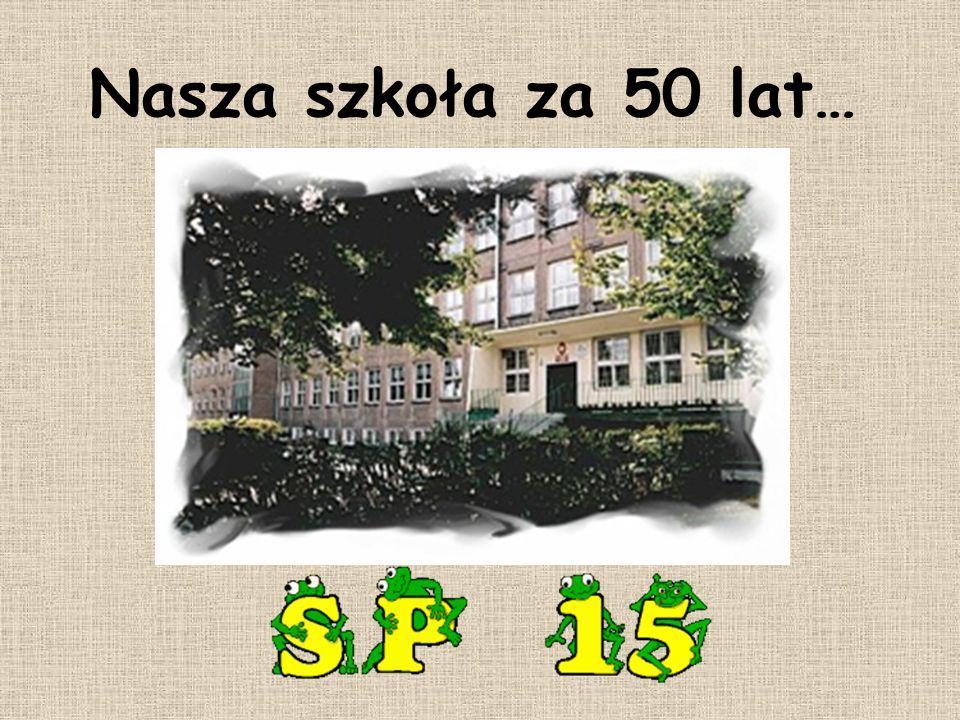 W czasie Dnia Uśmiechu dla klas I-III, który przebiegał pod hasłem Z tradycją w przyszłość dzieci przedstawiły swoje wizje naszej szkoły za 50 lat.