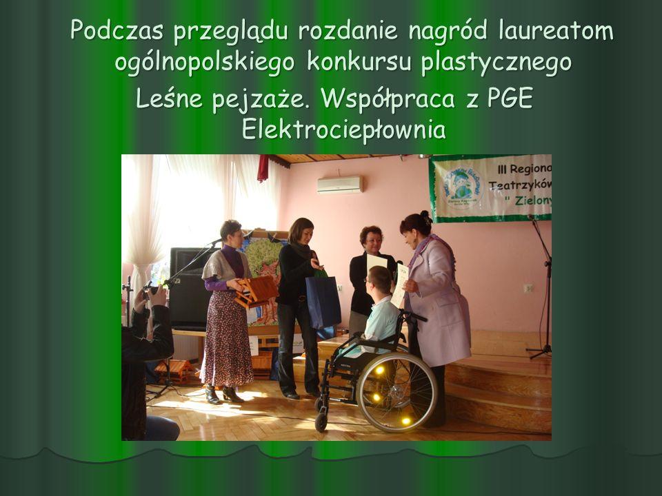 Podczas przeglądu rozdanie nagród laureatom ogólnopolskiego konkursu plastycznego Podczas przeglądu rozdanie nagród laureatom ogólnopolskiego konkursu