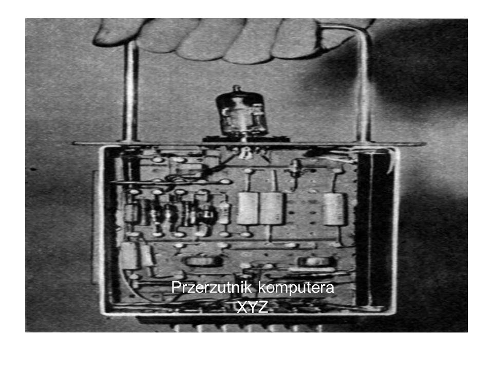Przerzutnik komputera XYZ