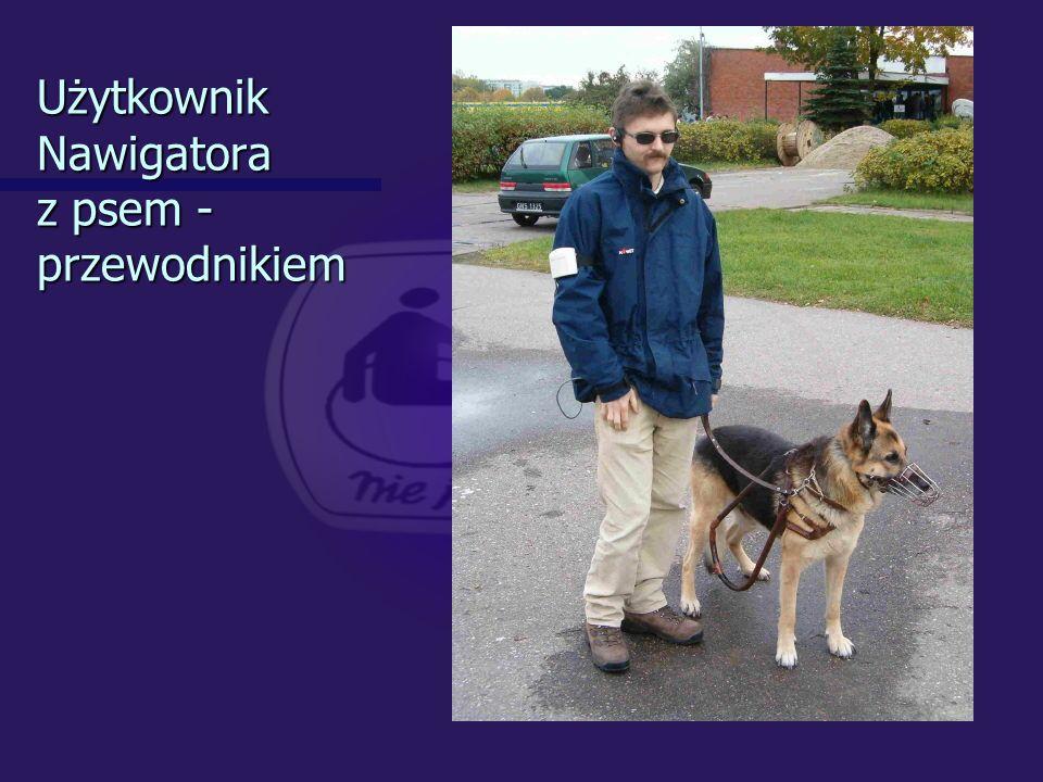 Użytkownik Nawigatora z psem - przewodnikiem