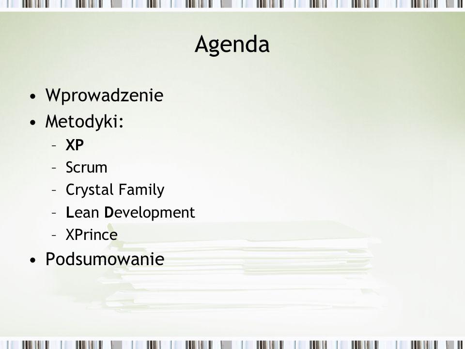 Wprowadzenie Wady tradycyjnych procesów wytwórczych (zorientowanych na dyscyplinę): –Zbyt dużo dokumentacji i biurokacji –Brak elastycznośći działania i powolny proces podejmowania decyzji –Ludzie jako zasoby –Zbyt dokładne plany od początku Agile Manifesto agilemanifesto.org : Jednostki i interakcje ponad procesy i narzędzia, Działające oprogramowanie ponad szczegółową dokumentację, Współpraca z klientem ponad negocjacje kontraktów, Nadążanie za zmianami ponad realizację planu