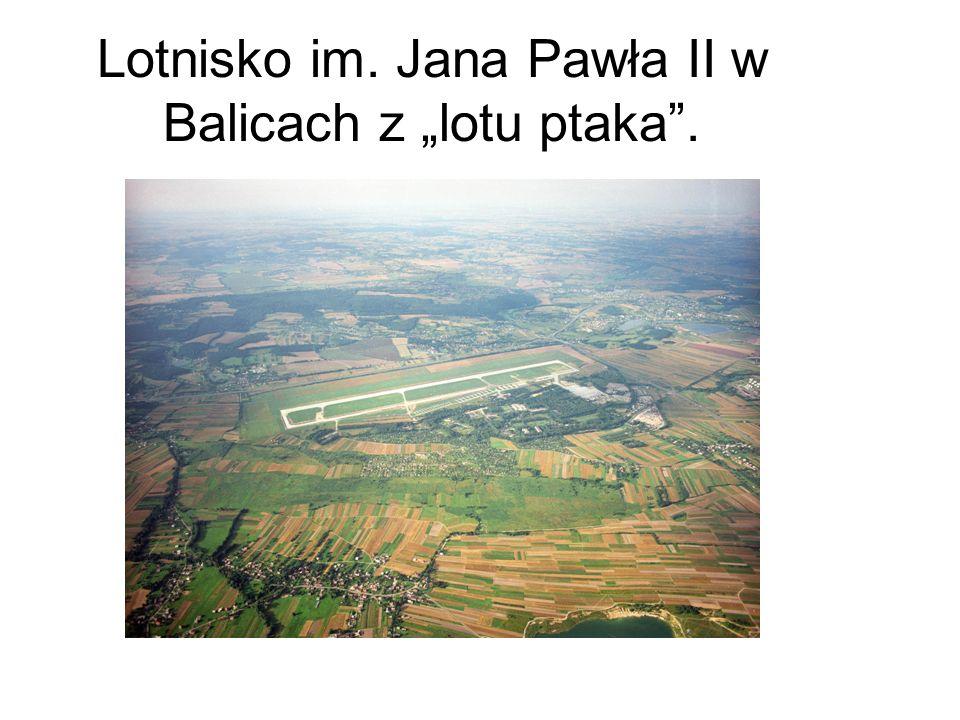 Lotnisko im. Jana Pawła II w Balicach z lotu ptaka.