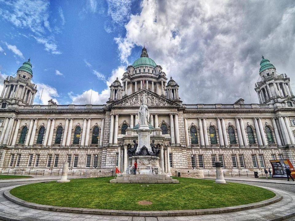 drugie pod względem wielkości miasto wyspy Drugie miasto pod względem wielkości w Irlandii Pólnocnej (po Belfascie)